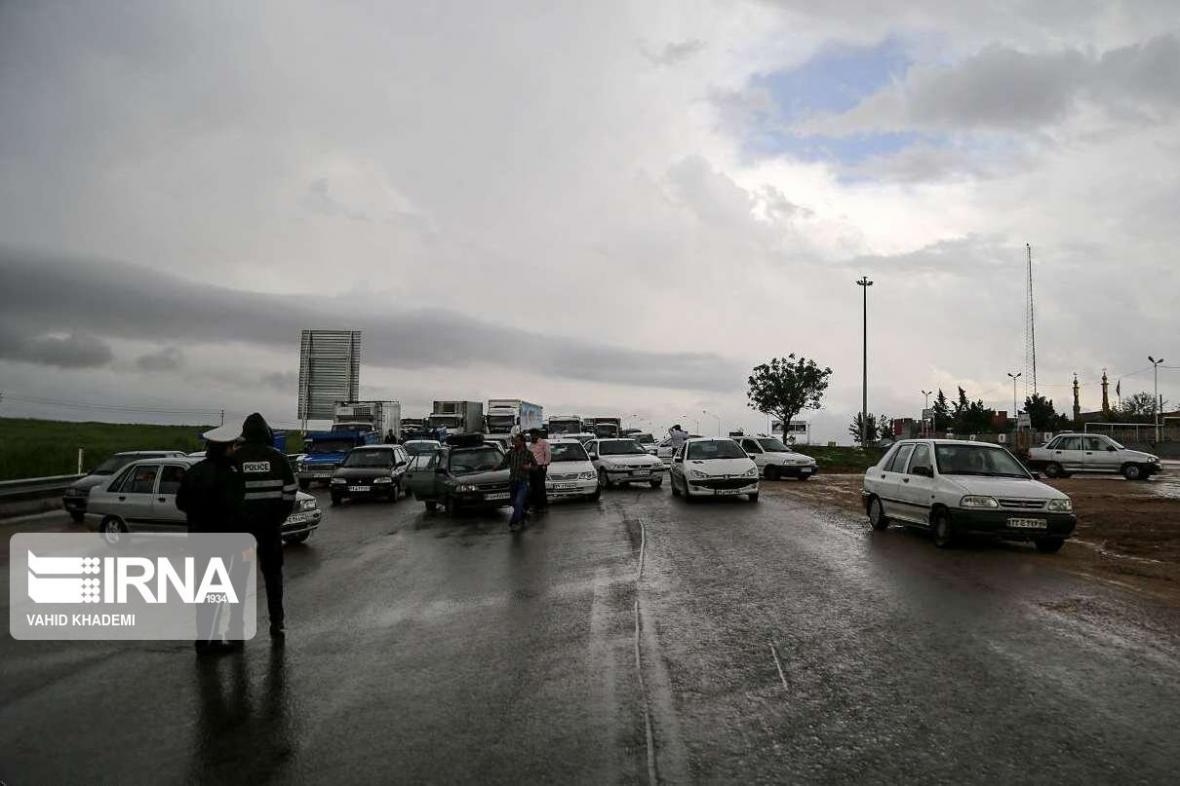خبرنگاران جاده های شش استان کشور بارانی است