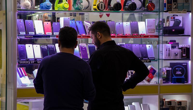 واکنش عجیب بازار به خبر ممنوعیت واردات ، گوشی بالای 7 میلیون تومان نایاب شد!